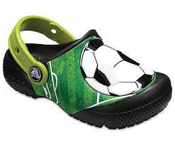 Crocs Fußball